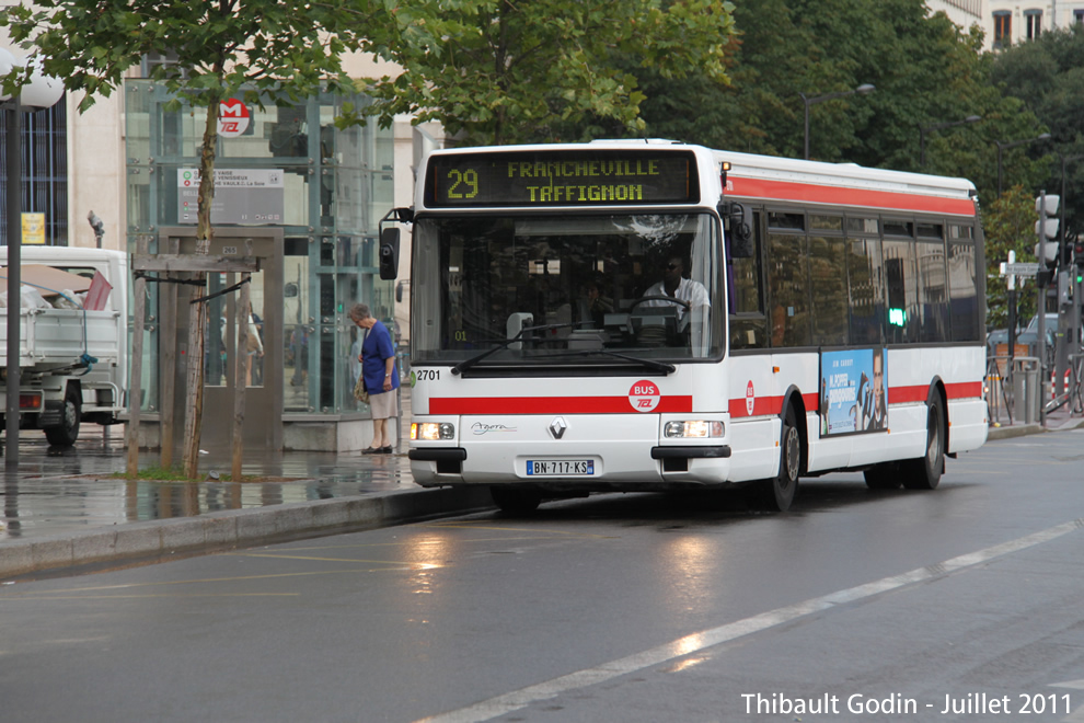 Tcl c12 for Horaires bus ligne 29 arles salon