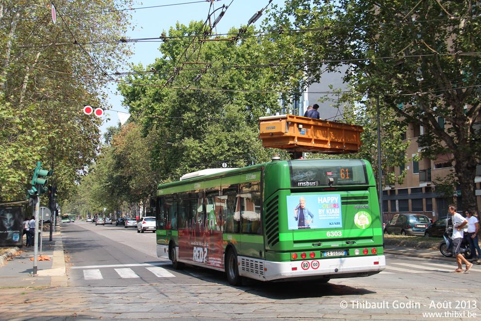 milan bus 61. Black Bedroom Furniture Sets. Home Design Ideas