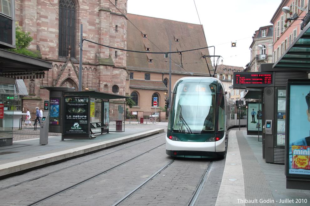 strasbourg tram c. Black Bedroom Furniture Sets. Home Design Ideas